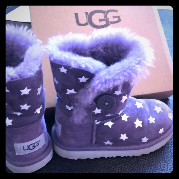 a28af7b313a UGG Bailey Button purple boots with silver stars